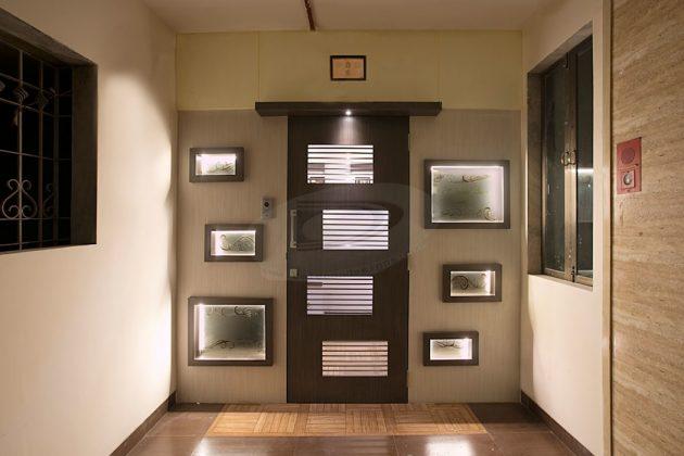 Прочная и современная дверь